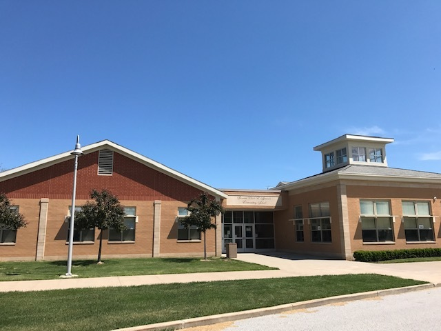 Front View of Geneva Platt R. Spencer Elementary